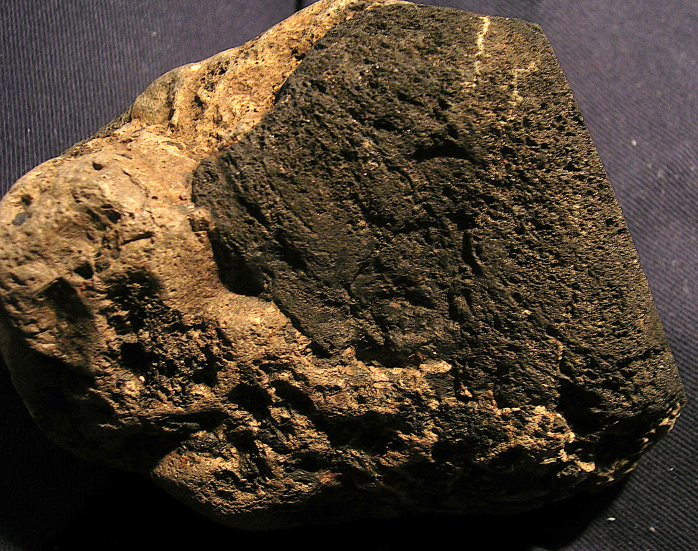 chiemite on Muschelkalk cobble, Saarland meteorite impact site